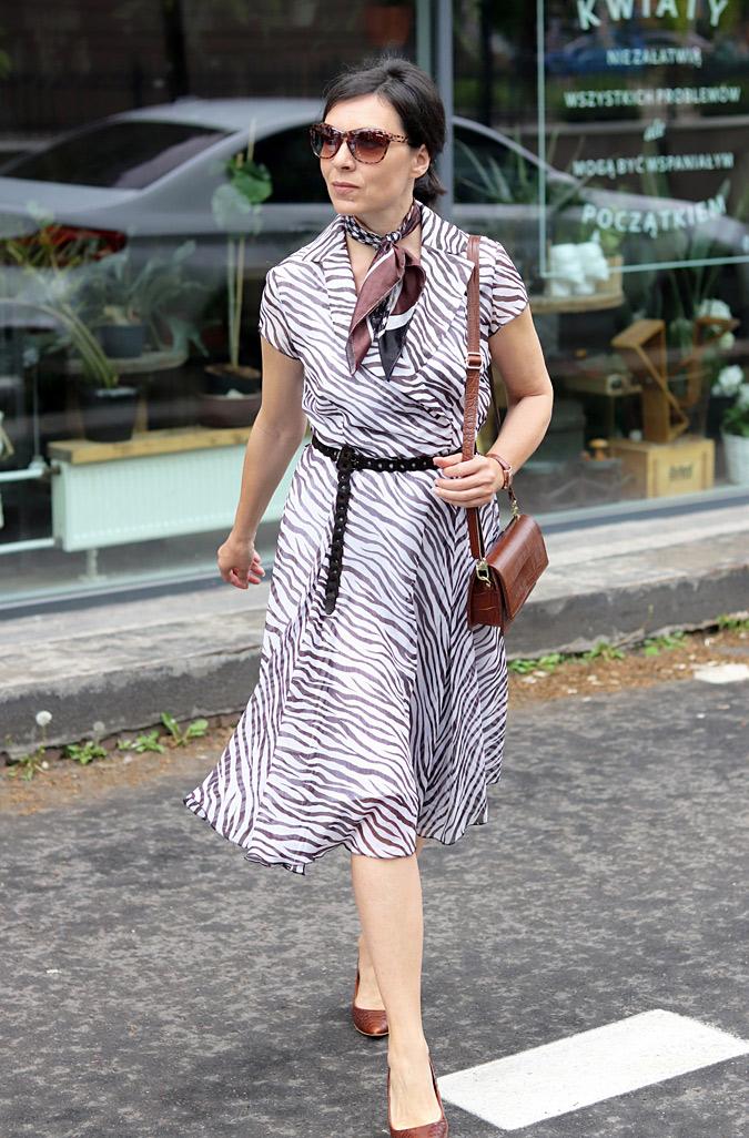 sukienka we wzór zebry
