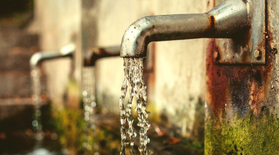 Hangi su daha iyi? Hazır şişe su mu yoksa musluk suyu mu?