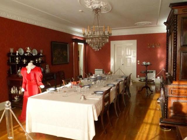 Sala de jantar do Museu Romântico no Porto