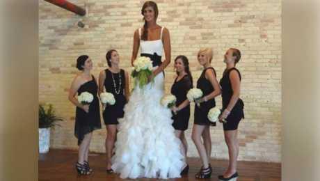 """فيديو: 10 نساء """"عملاقات"""" لا يتوقّفن عن النّمو إطلاقاً !"""