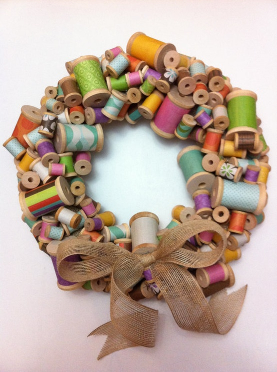 This thread spool wreath is perfect for the DIYer or sewing lover in your life!