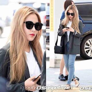 Foto Keren Kim Yeri Red Velvet Pakai Kacamata