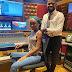 Telma Lee & Kyaku Kyadaff em estúdio trabalhando no novo material colaborativo entre os dois artistas - Angola Stars