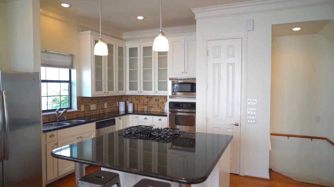 10 Interior Design Photos vs. 5327 Nolda St #B, Houston, TX Home Tour