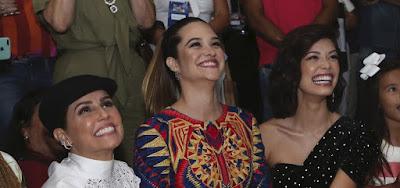Deborah Secco, Juliana Paiva e Vitória Strada durante a festa de lançamento de Salve-se Quem Puder