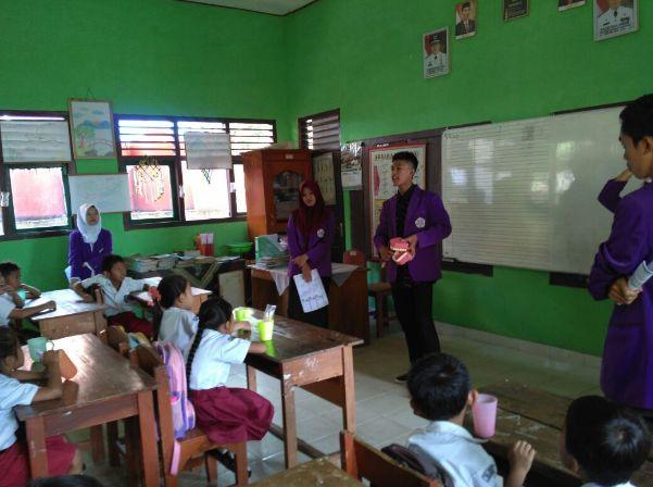 Mahasiswa Sosialisasikan Gosok Gigi di Sekolah stapbaak
