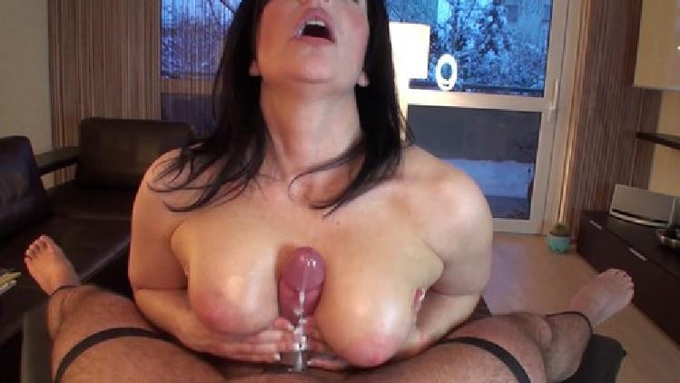 klixen topless handjob