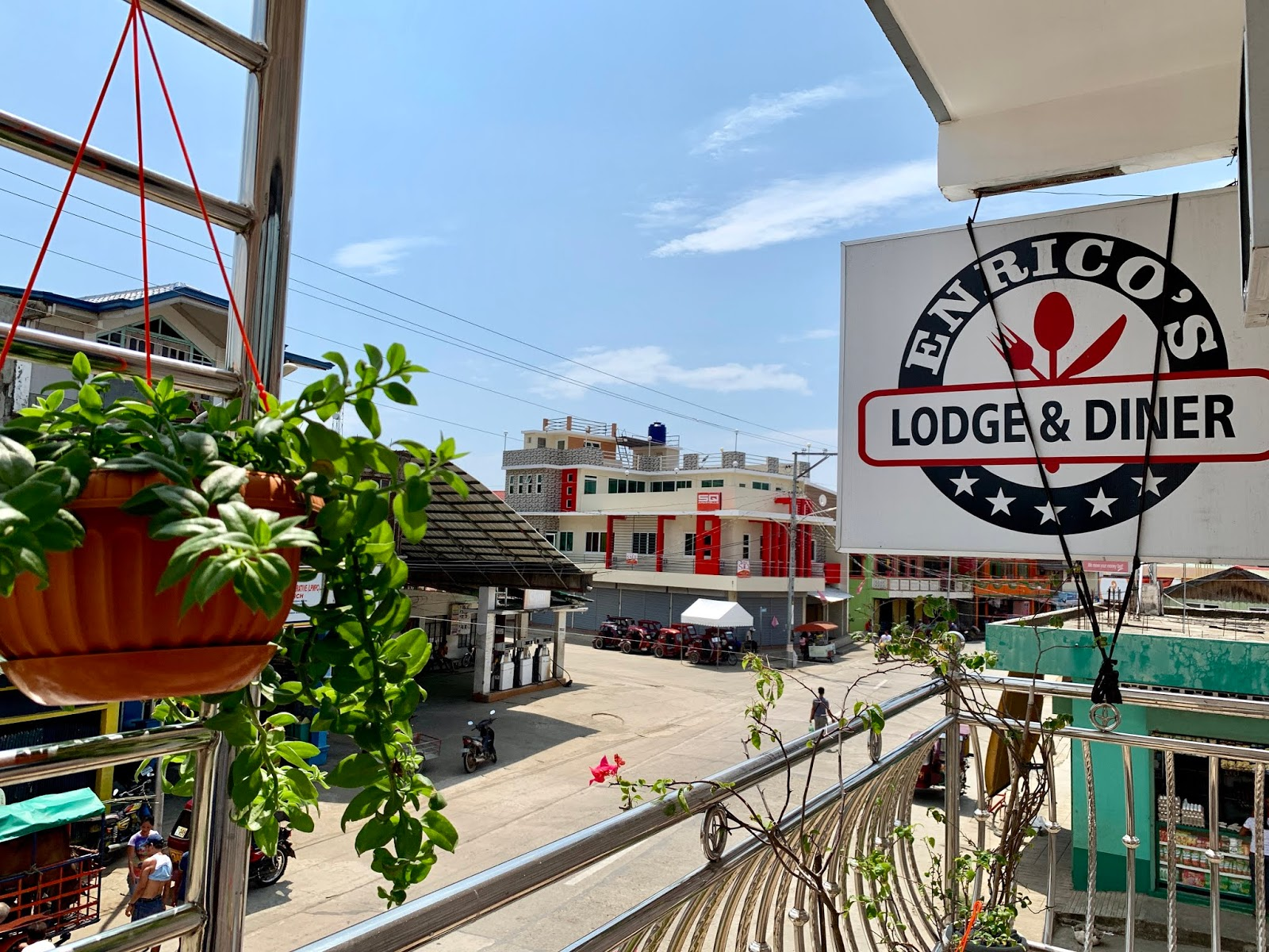 Enrico's Lodge and Diner