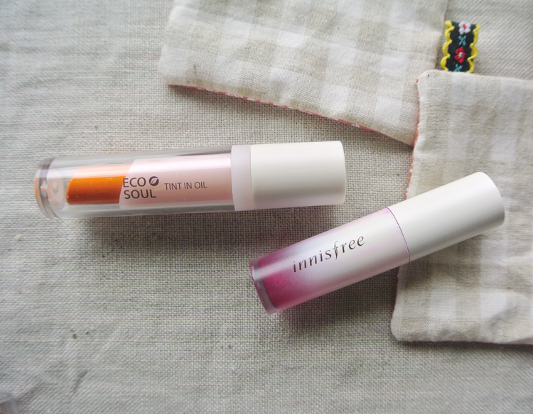 Korean makeup review and comparison: Innisfree Treatment Lip Tint #1 Cherry, The Saem Eco Soul Tint in Oil OR02