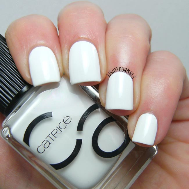 Catrice ICONails 15 Milky Bay smalto nail polish
