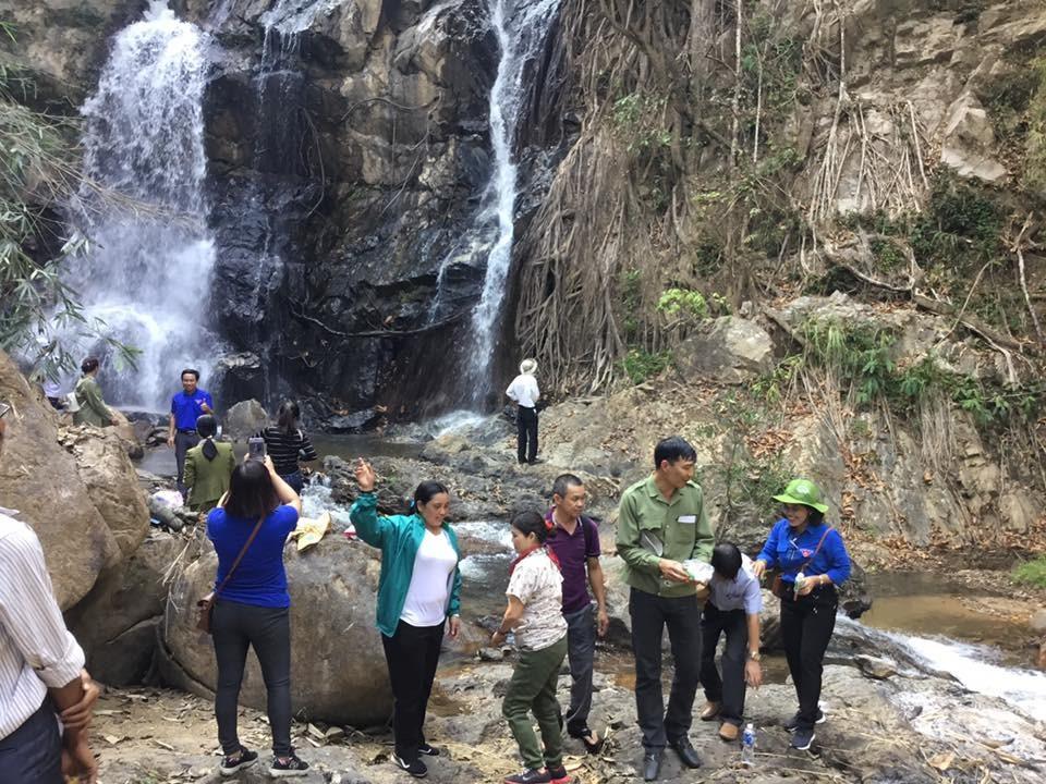 Siu Puông là thác nước đẹp, hấp dẫn du khách.