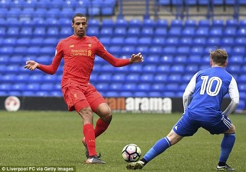 Matip tỏa sáng trong màu áo Liverpool