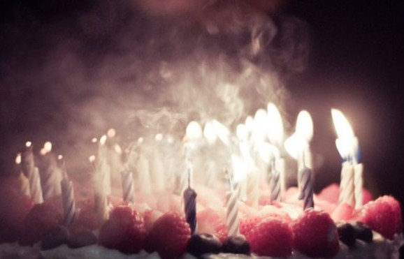 Meniup Lilin Ulang Tahun itu Baik Gak Sih atau Jorok