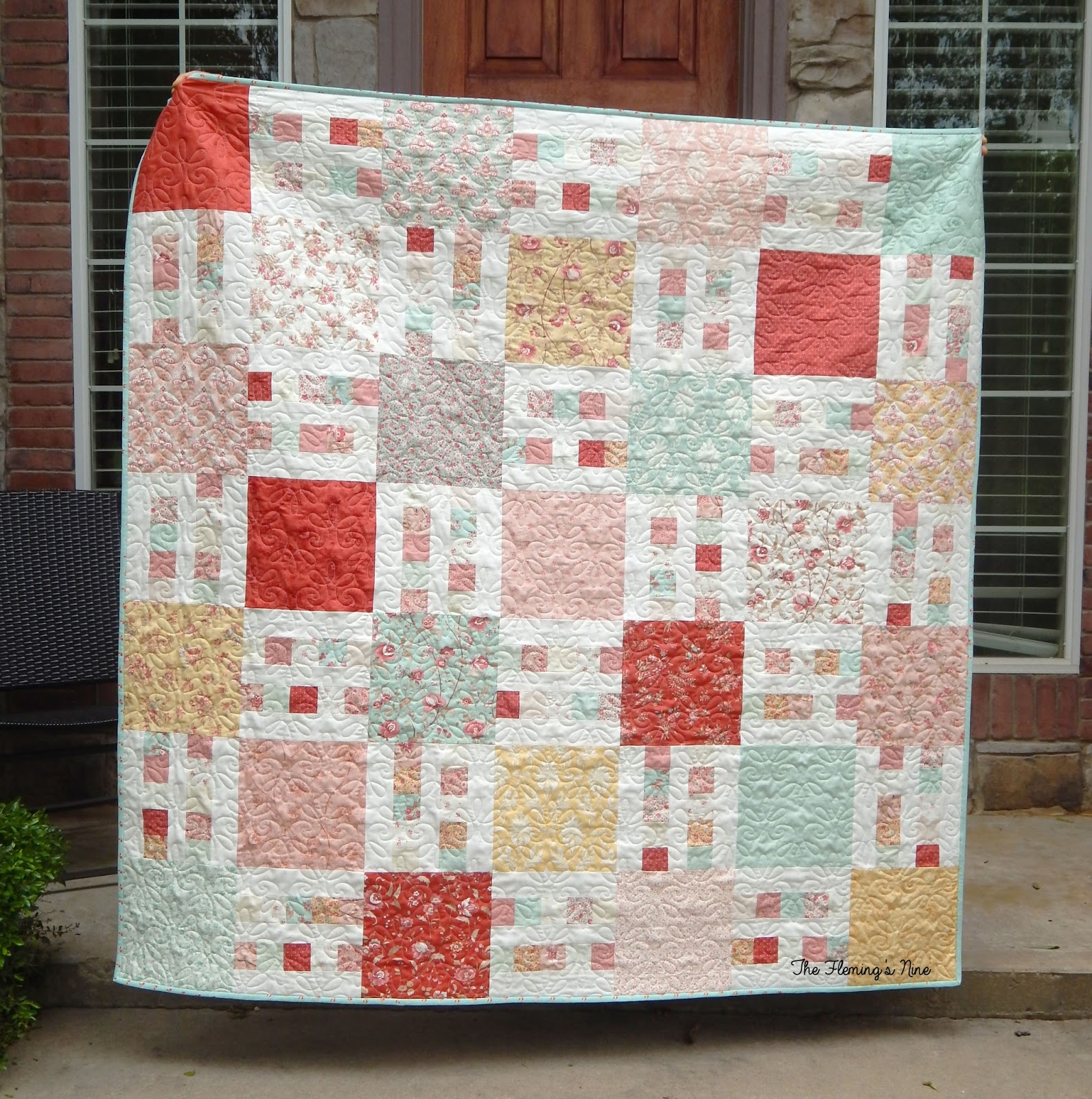 Busy Hands Quilts: Picket Fence {A Finish + A Pattern!}