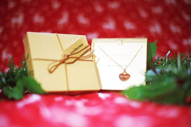 Plus Size Blogger Luxury Christmas Gift Guide The Jewellery Box Rose Gold Engraved Heart Necklace