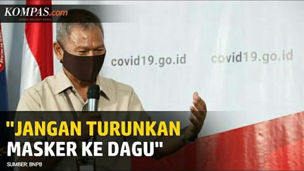 Pemerintah: Jangan Turunkan Masker ke Dagu, Termasuk Saat Makan