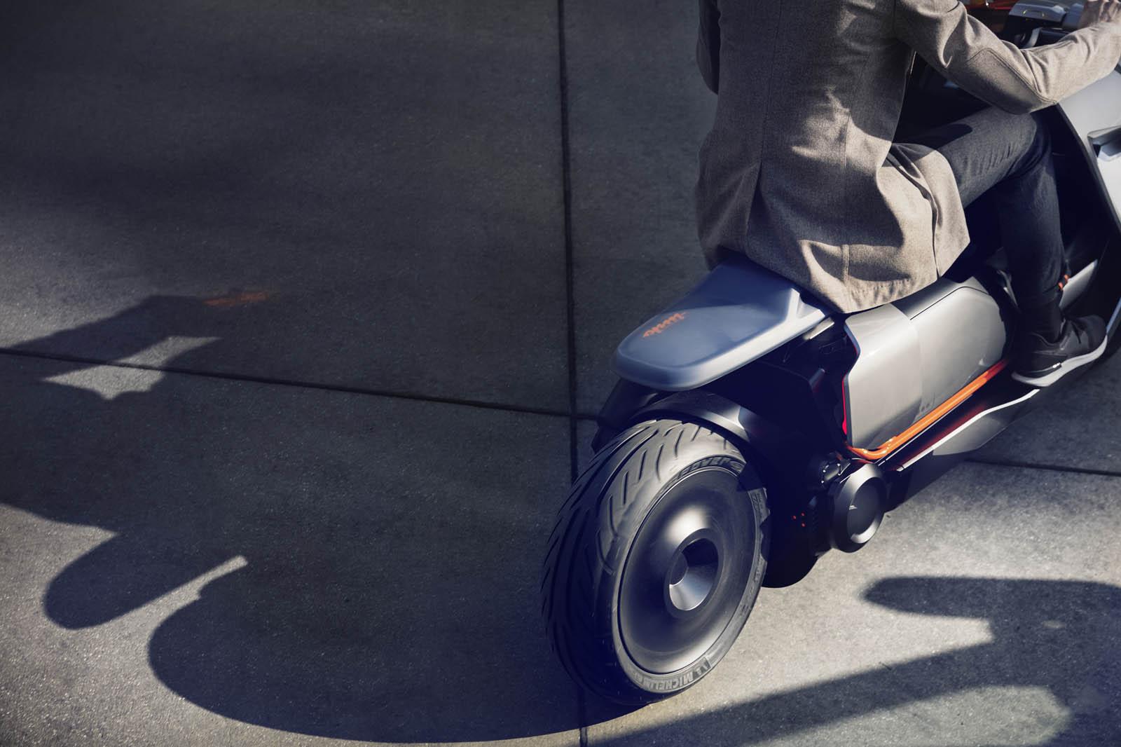 BMW-Motorrad-Concept-Link-P90260583-highRes.jpg