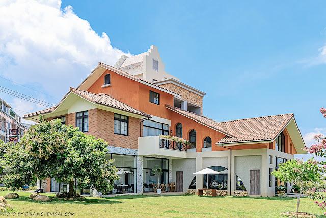 MG 8564 - 台中景觀餐廳推薦,獨棟好拍橘白洋房,落地大窗與大片草地好愜意,同時也是寵物友善餐廳!