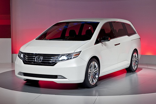 best automotive world 2011 honda odyssey. Black Bedroom Furniture Sets. Home Design Ideas