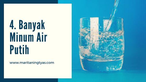 banyak minum air putih untuk mengatasi pegal linu