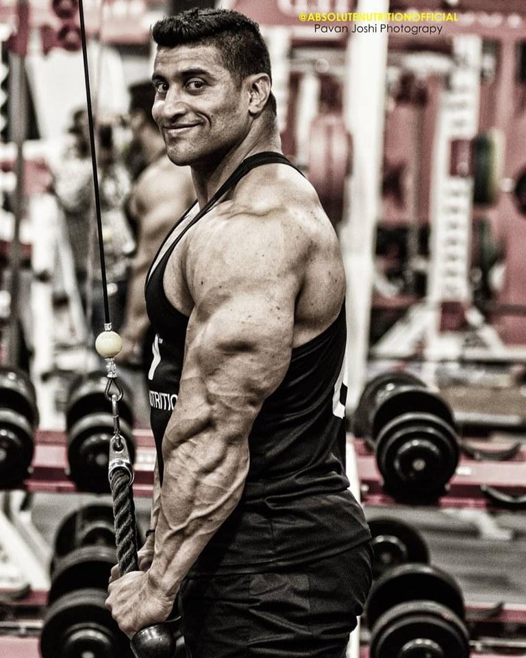 Brazilian superman Pedro Isique - World Wide BodyBuilders