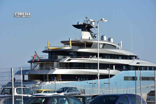 Ποιος είναι ο δισεκατομμυριούχος που ήρθε στο Ναύπλιο με το τεράστιο γιοτ Aviva