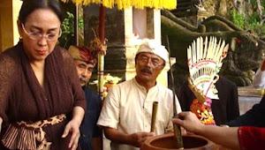 Upacara pindah agama Diah Mutiara Sukmawati Soekarnoputri,