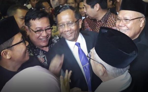 PBNU Kecewa, Pengamat: Mahfud MD dan Ma'ruf Amin Bukan Kader?