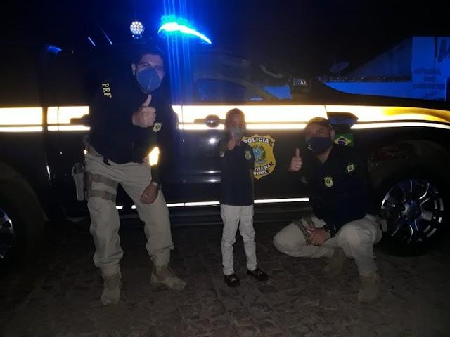 Em D. Expedito Lopes/PI: Garoto fã da PRF ganha festa com a presença de policiais em seu aniversário de seis anos