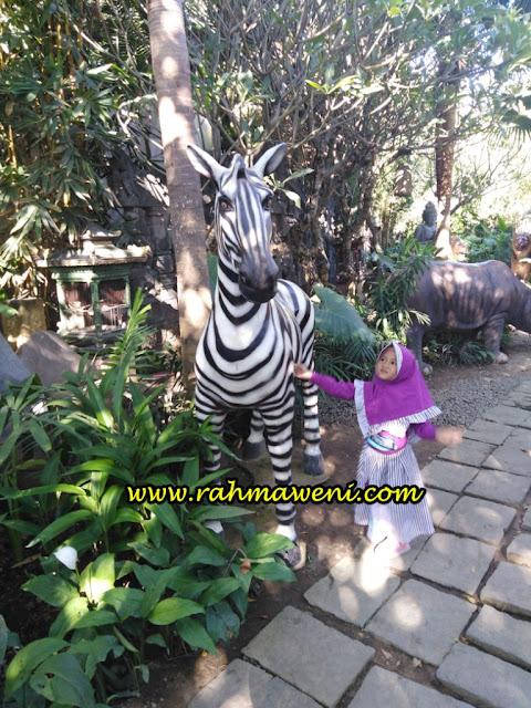 Miniatur Hewan Big Garden Corner