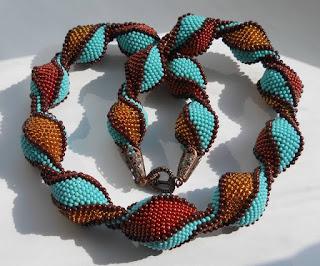 wzor bizuterii koralikowej