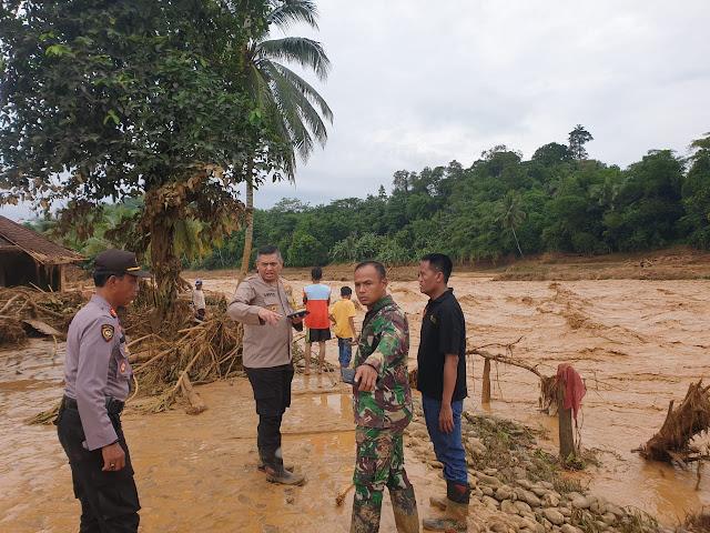 Polda Banten Gerak Cepat Bantu Korban Banjir Bandang Lebak