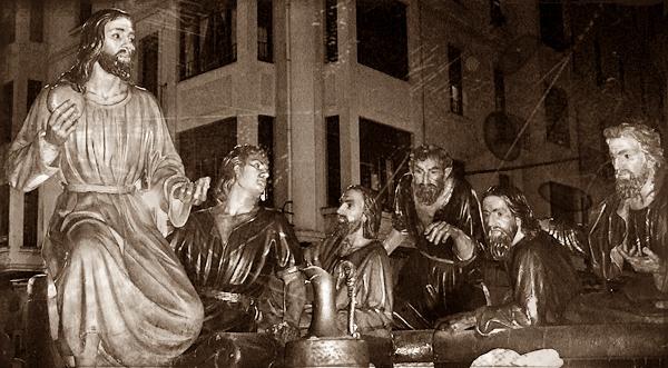 Vista parcial del paso de la Sagrada Cena. Víctor de los Ríos. León. Foto G. Márquez.