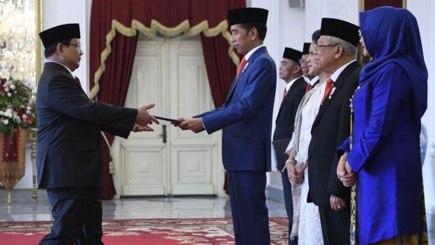 Jokowi Angkat Prabowo Jadi Menhan: Dari Musuh ke Koalisi, Langkah yang Menjadi 'Hari Gelap' HAM dan 'Turunkan' Nilai Demokrasi