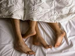 Bolehkah Berhubungan Suami Istri tanpa Penutup