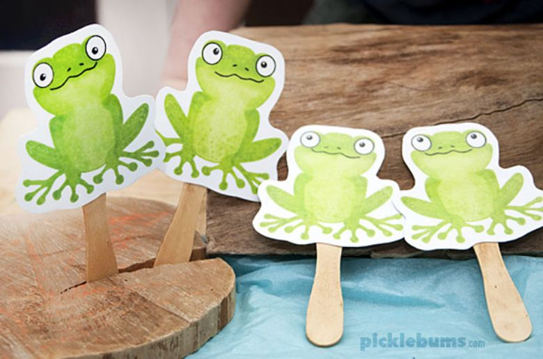 Activities for toddlers - five green frog stick puppets