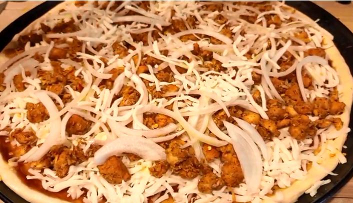 BBq chicken pizza ingredients
