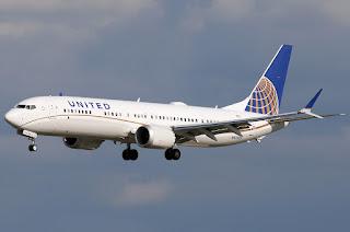 United Airlines condenada por cancelar venta de viajes a Sydney - Pasaje + daño moral $ 20.000 - Cámara Nacional de Apelaciones en lo Comercial