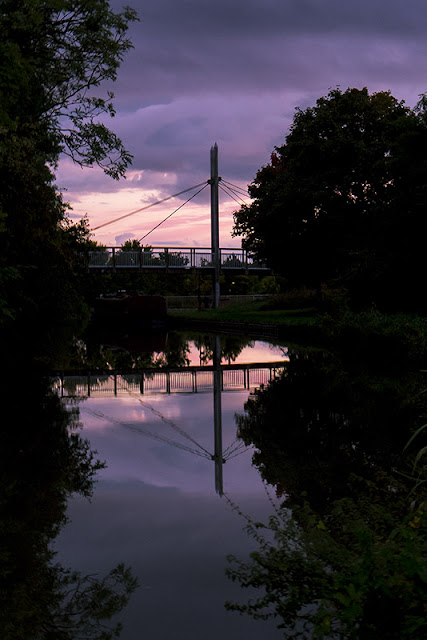 Sunset in New Bradwell by the Grand Union Canal
