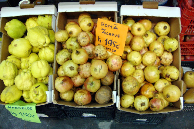 What does a quince look like?
