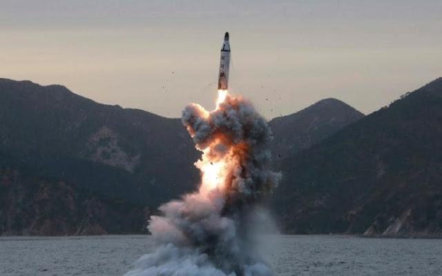 A tensão aumentou entre os EUA e a Coreia do Norte na quinta-feira, quando a nação reclusa parecia estar se preparando para outro teste nuclear