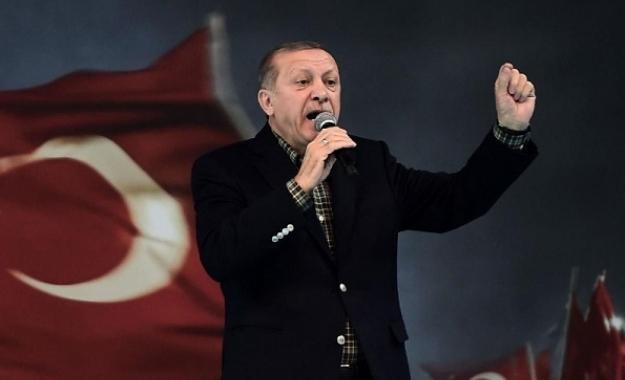 Ερντογάν για την κατρακύλα της λίρας: Δεν μπορείτε να μας χτυπήσετε με τις συναλλαγματικές ισοτιμίες