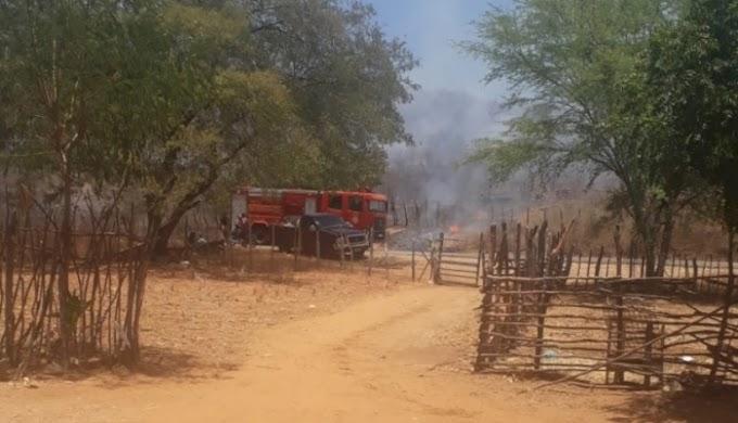 D-20 envolvida em acidente que provocou morte de motorista de outra caminhonete é incendiada, no Vale do Piancó