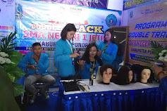 Tim Double Track SMAN 1 Jetis Ponorogo Meraih Predikat Trainer Inspiratif