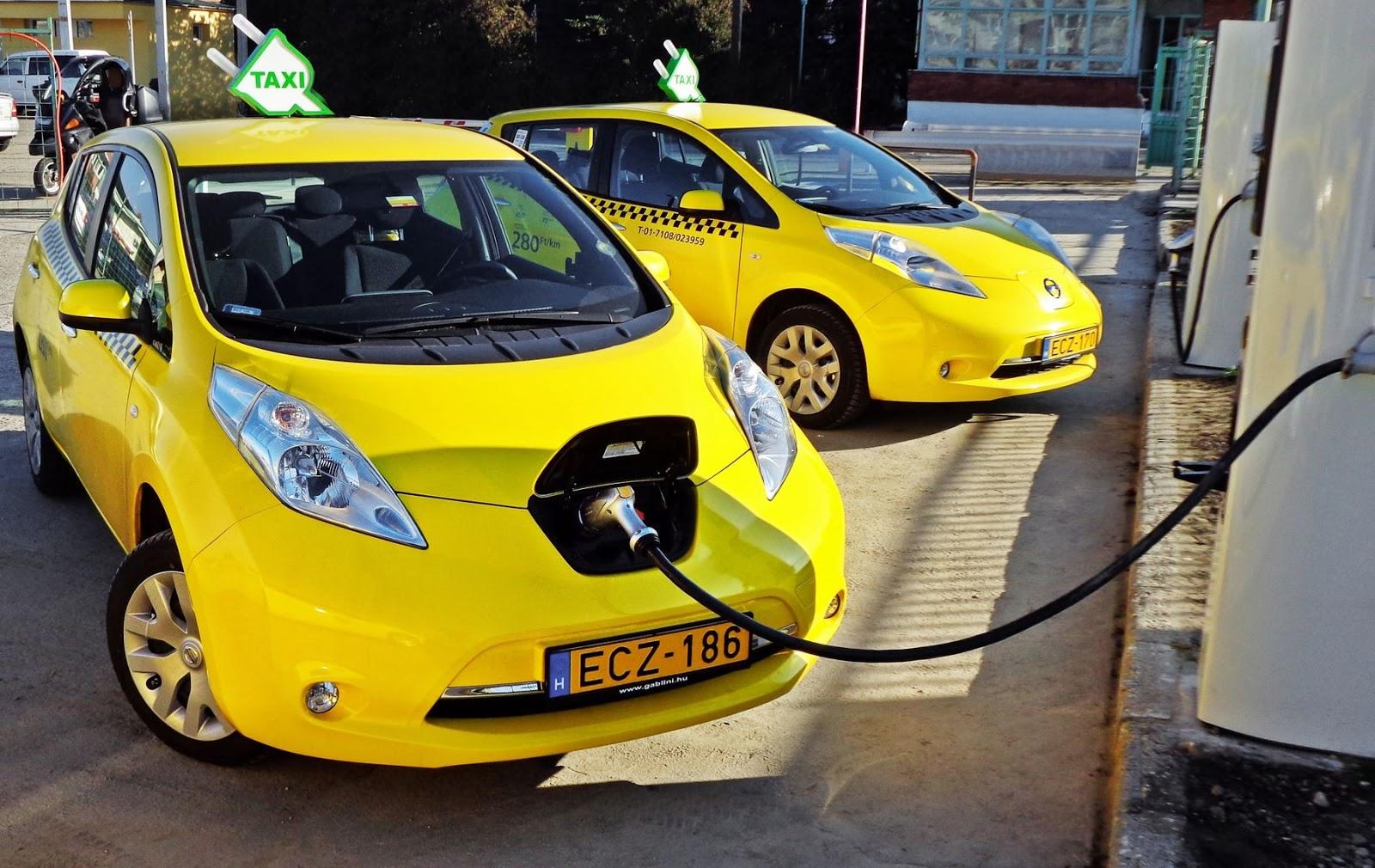 Электромобили Nissan Leaf в Венгрии