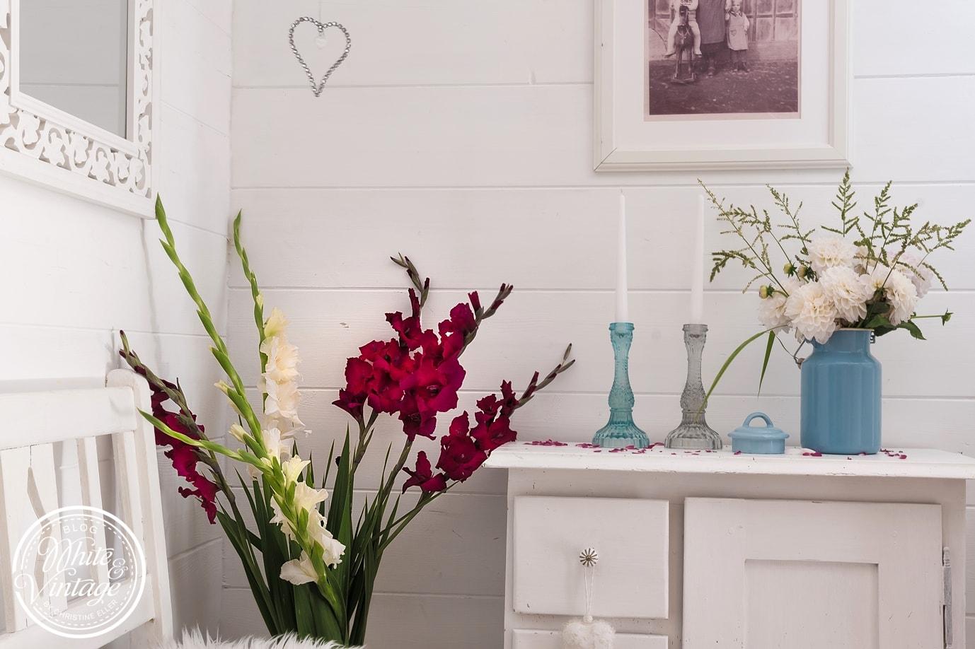 Blumendeko selber machen: Gladiolen in der Vase