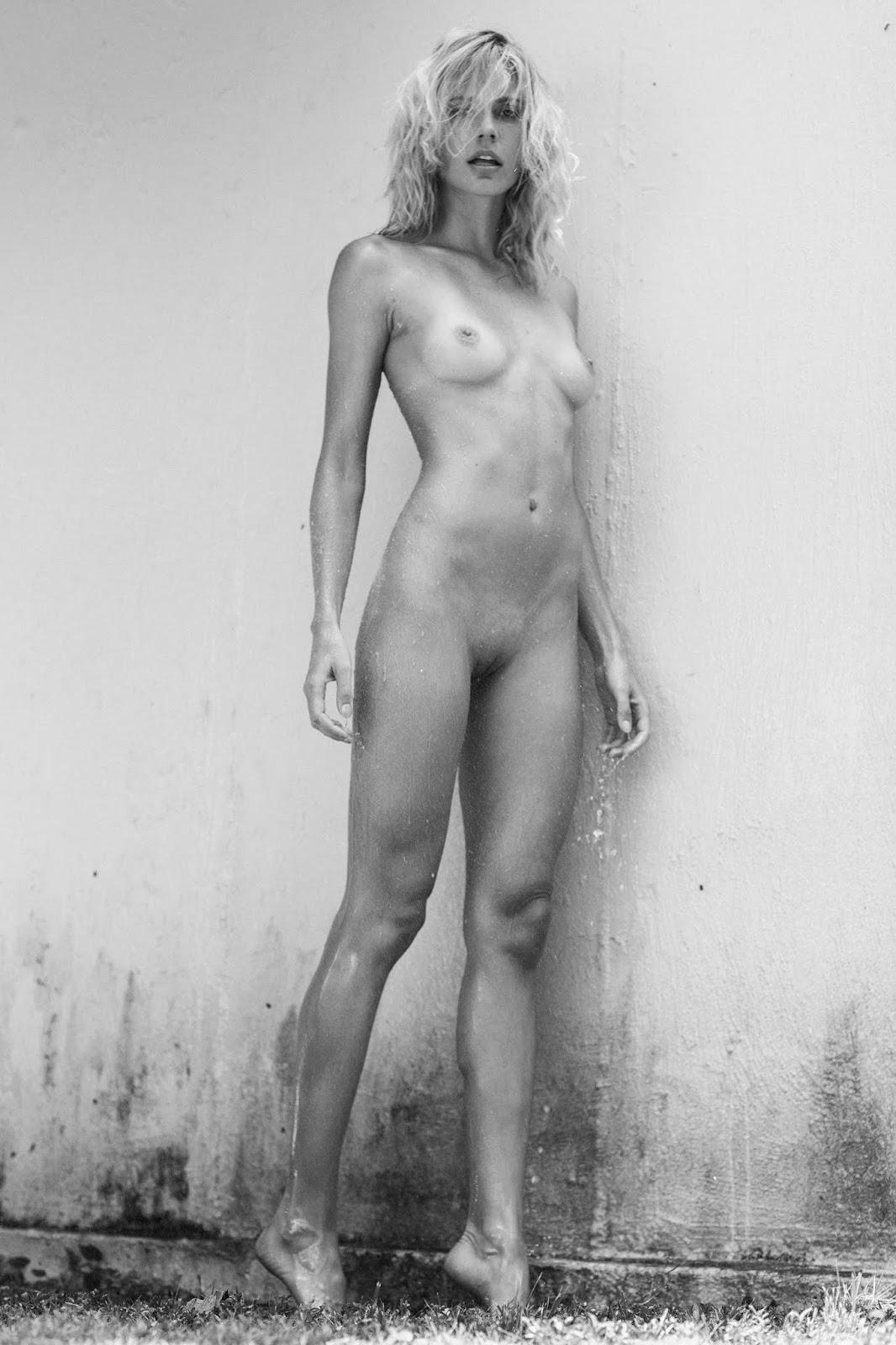 Raquel zimmermann naked commit