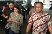 Penuhi Panggilan Penyidik, Gisella Anastasia dan Tyas Mirasih Datang ke Polda Jatim