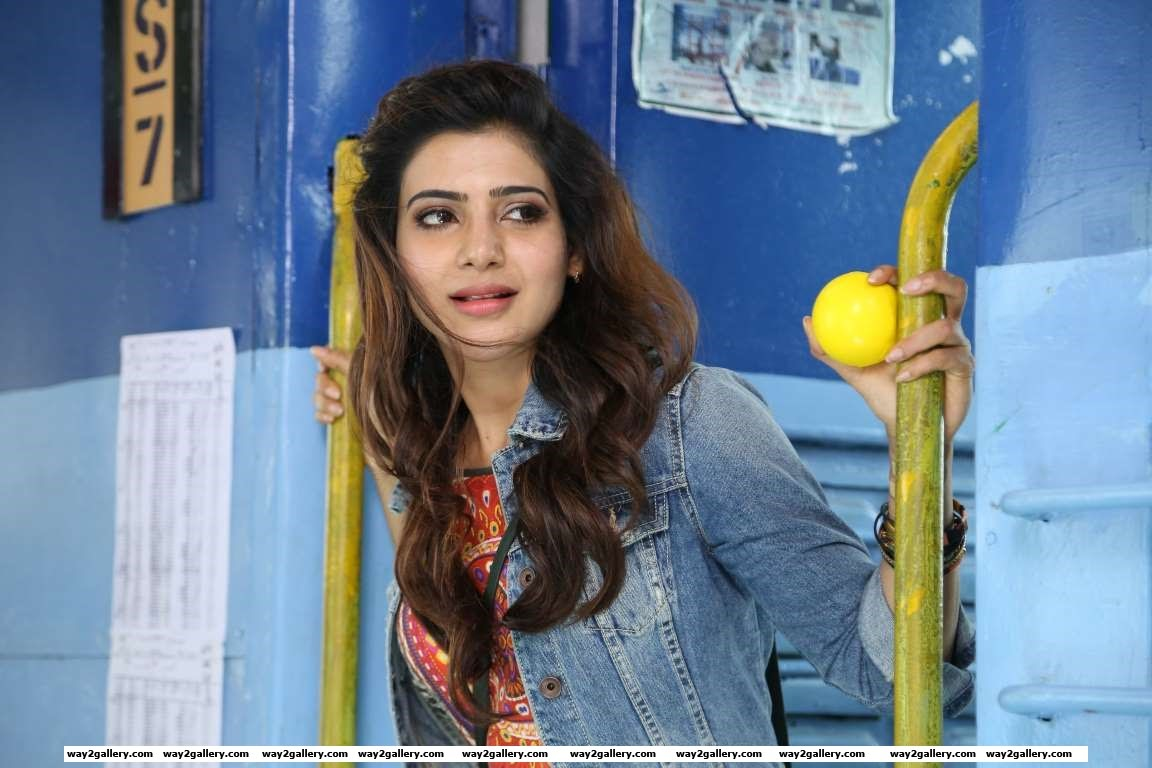 Samantha Ruth Prabhu had a dream debut in Gautham Menons Ee Maya Chesave the Telugu version of Vinnai Thaandi Varuvaya She then went on to feature in Baana Kaathadi Naan Ee and Neethaane En Ponvasanth
