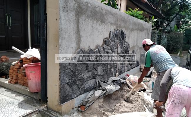 tukang batu alam